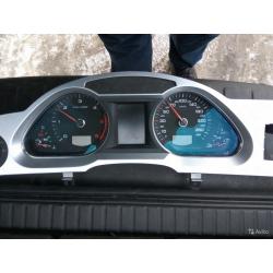 Приборная панель Audi A6 C6 4F0920933L