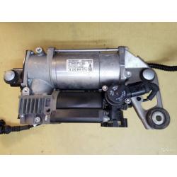 Компрессор пневмоподвески VW touareg 7L0698007E