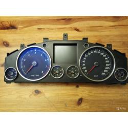 Панель приборов VW Touareg бензин 4.2 7L6920880A