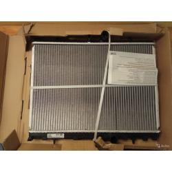 Радиатор охлаждения citroen C4 behr 8MK376781-111