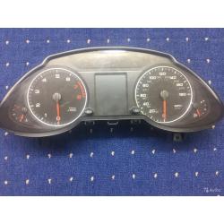 Приборная панель Audi Q5 2011-2012 8R0920950K
