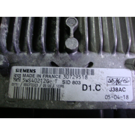 Блок управления двигателем эбу VOLVO S40  30729518 5WS40212G -T
