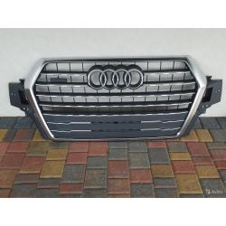 Новая решетка радиатора Ауди Audi Q7 4m 4M0853651